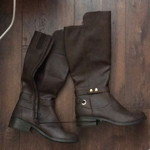 BNIB wide calf knee high boots